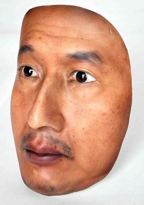 Realistiška 3D kaukė