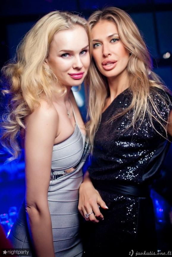 Glamūrinių divų bedugnė
