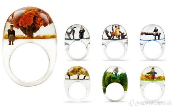 Žiedai su visu pasauliu viduje