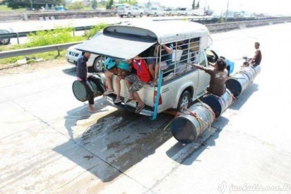 Kaip Tailande su potvyniais kovojama