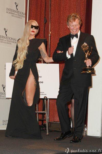 Lady Gaga ir jos apdarai ne iš šio pasaulio