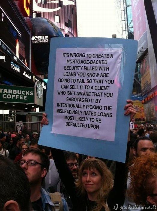 Geriausi šių metų protesto plakatai