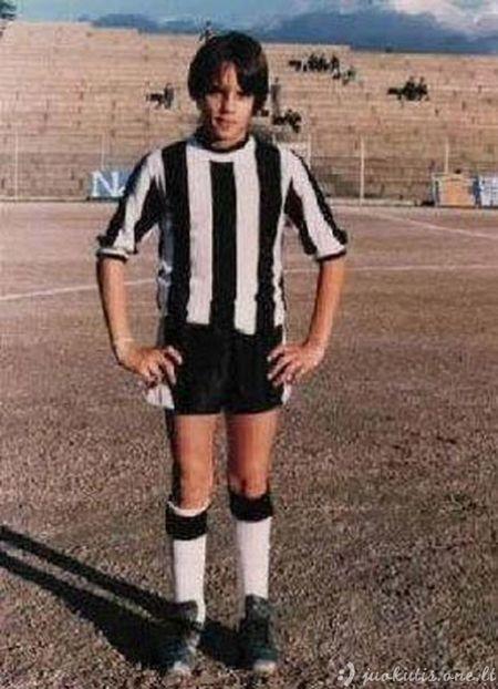 Futbolo žvaigždės vaikystėje