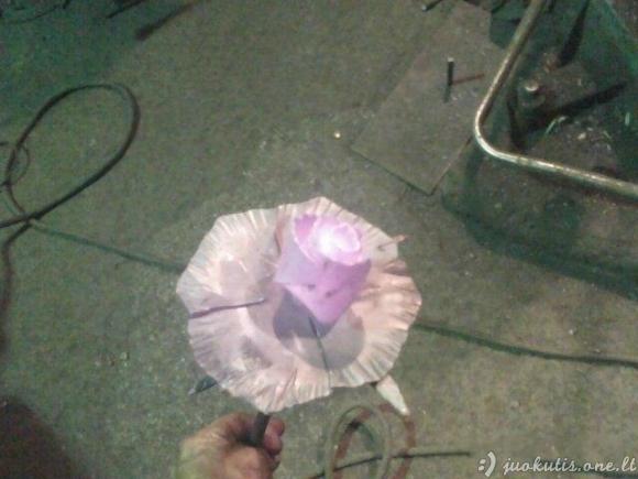Kaip pasigaminti rožę iš metalo