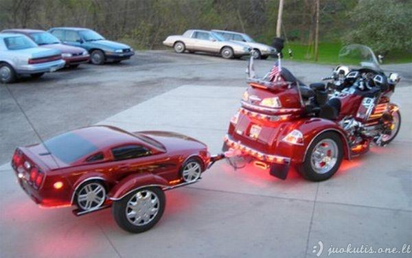 Kietos automobilių priekabos