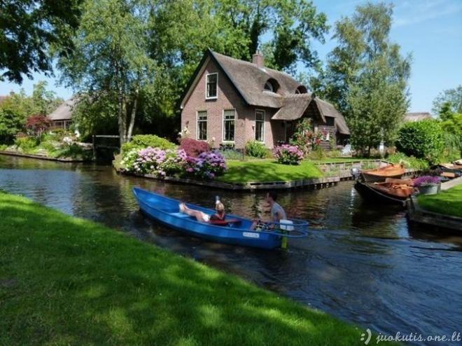 Kaimas be kelių Nyderlanduose