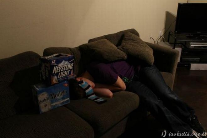 Negalima daug gerti per vakarėlį