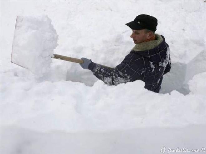 Žiema, žiemužė Rumunijos kaime
