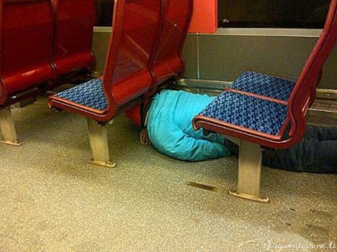 Baisumai iš viešojo transporto