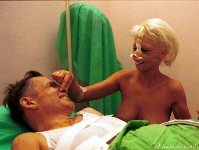 Vyras ir žmona pasidarė plastines operacijas vienu metu