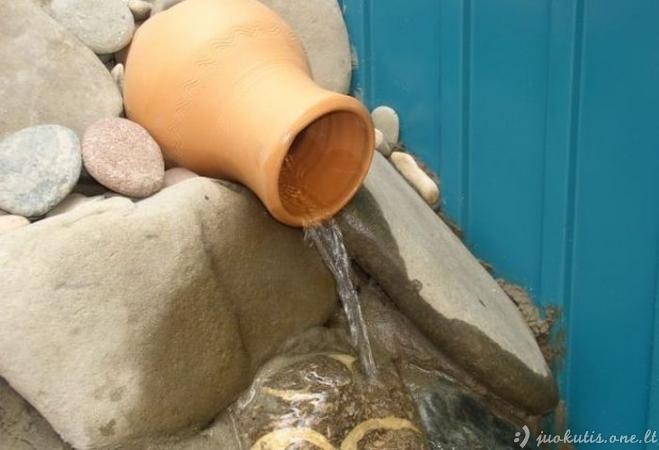 Tvenkinys savo rankomis