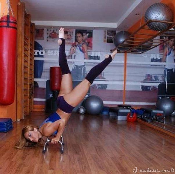 Gražuolės sportuoja