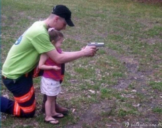Neatsakingi tėvai