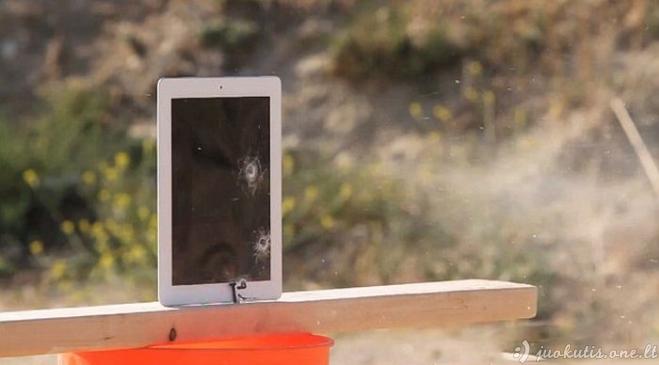 iPad prieš automatą