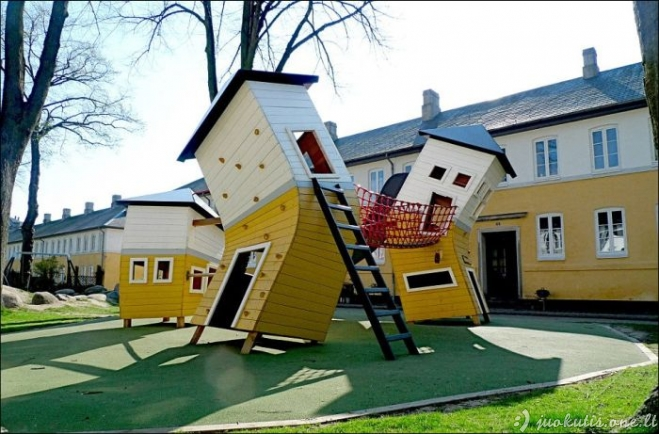 Kietos žaidimų aikštelės