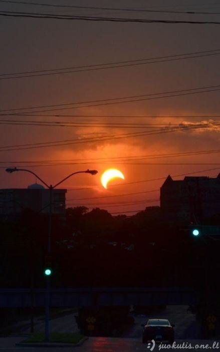 Gražios saulės užtemimo nuotraukos