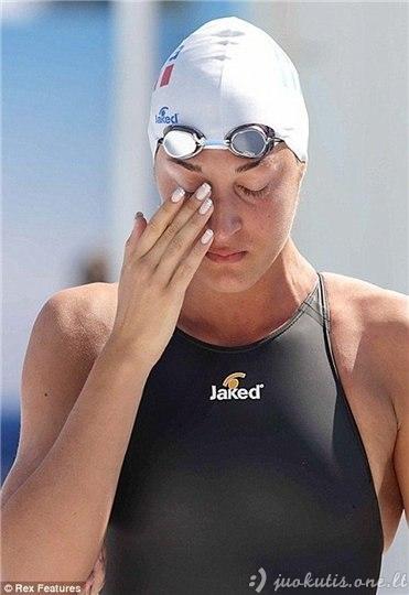 Dėl ko verkia sportininkė?