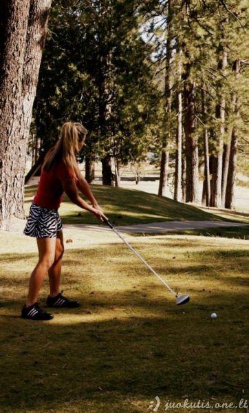 Vis dar manote, kad golfas yra nuobodus žaidimas?