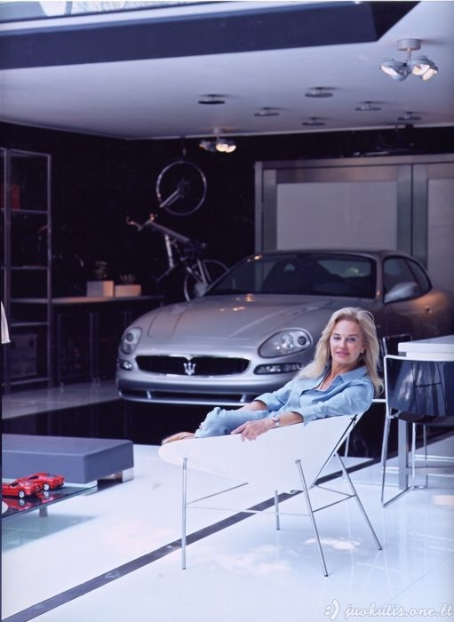 Stulbinantis garažas