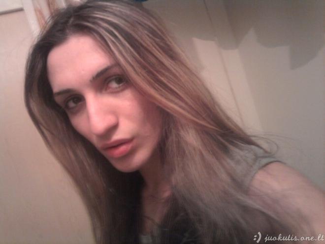 Jums patinka ši mergina?