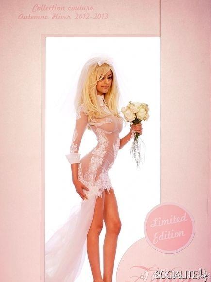 Labai atvira vestuvinė suknelė