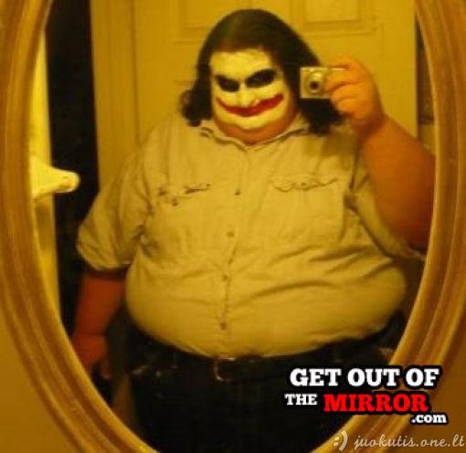 Beprotiški autoportretai veidrodyje