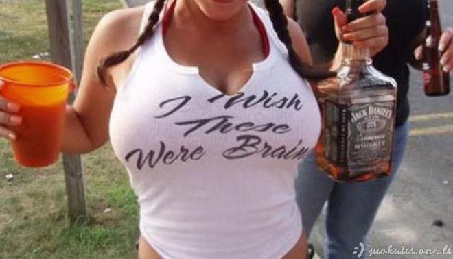 Juokingi užrašai ant marškinėlių