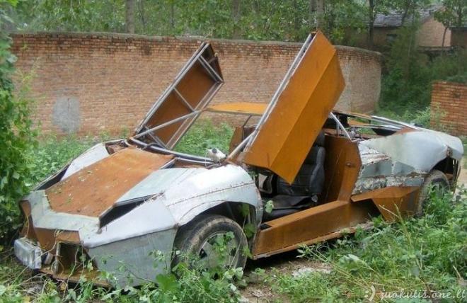 Rankų darbo Lamborghini Reventon