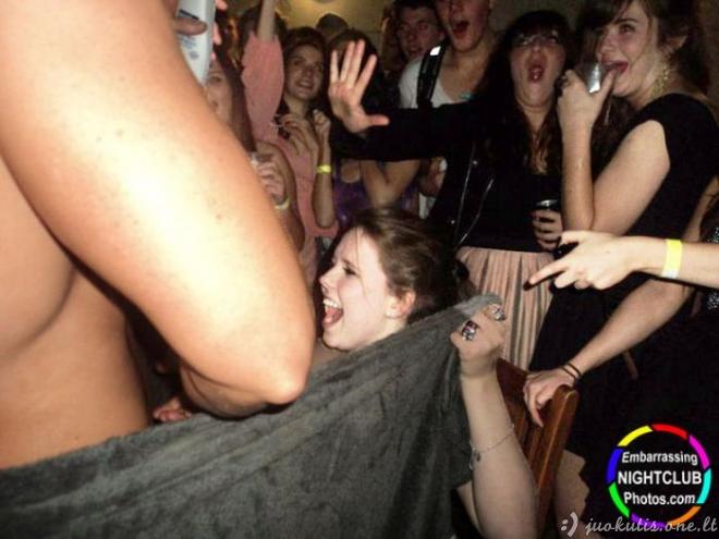 Juokingos nuotraukos iš naktinių klubų