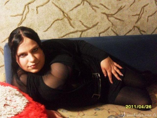 Glamūrinių mergaičių spindesys ir skurdas