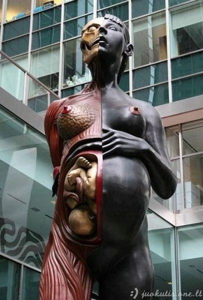 Keisčiausios statulos pasaulyje