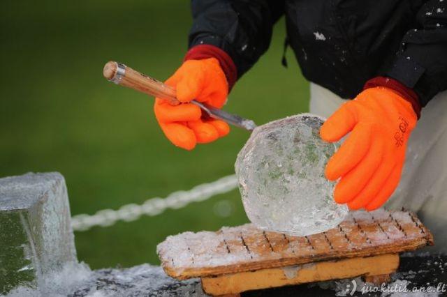 Kaip kuriamos ledo skulptūros