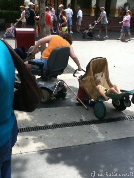 Tėvystė jiems per sudėtingas užsiėmimas