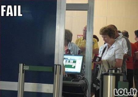 Keistuoliai oro uoste
