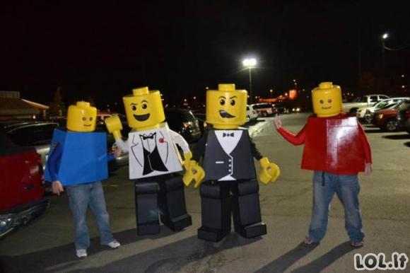Geriausi Halloween kostiumai 2011