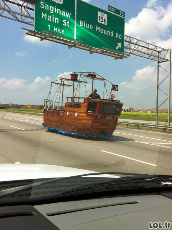 Greitkelio piratas