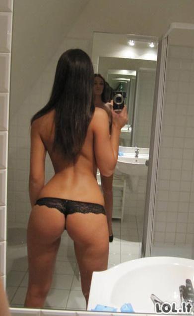 SEKSulkos prieš veidrodį