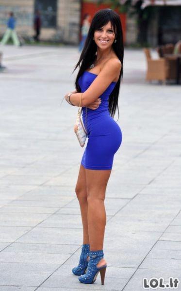 Merginos su aptemptom suknelėm II