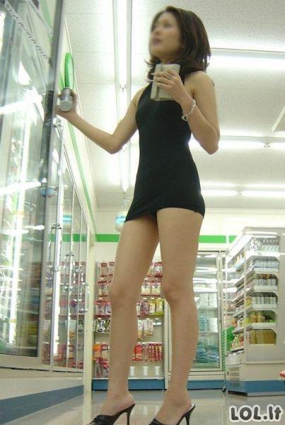 Suknelė kaip tik į parduotuvę eiti
