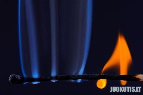 Kaip užsidega degtukas