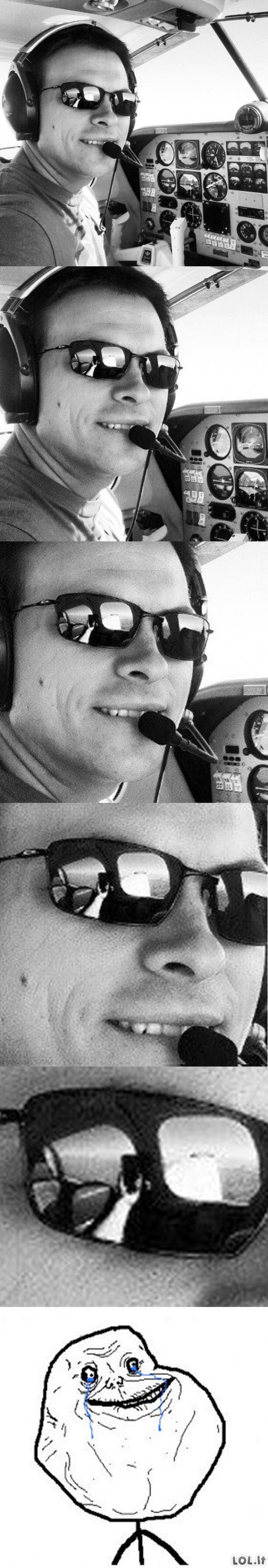 Forever Alone pilotas