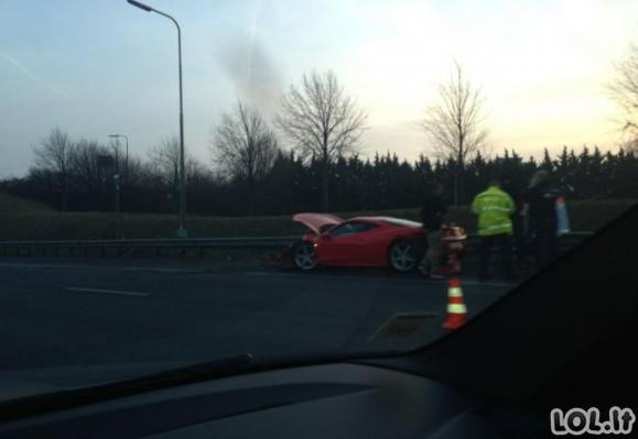 Ne taip, oi ne taip reikia elgtis su Ferrariu
