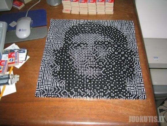 Domino menas