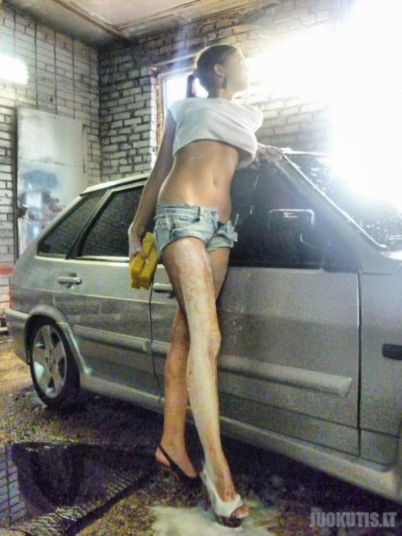 Seksualus automobilio valymas