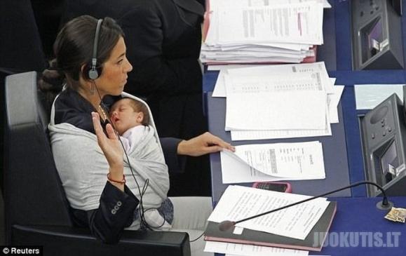 Mama ES parlamente