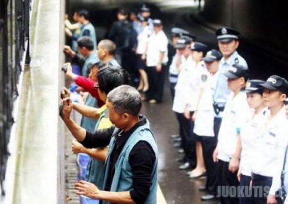 Bausmė Kinijoje