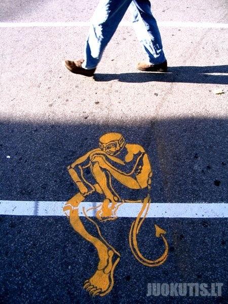 Menas ant kelių