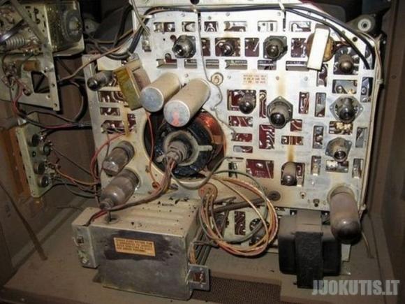 Akvariumas iš seno televizoriaus korpuso (18 nuotraukų)