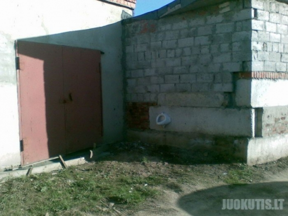 Garažas kooperatyvus - įsteigti nemokami tualetai (3 nuotraukos)