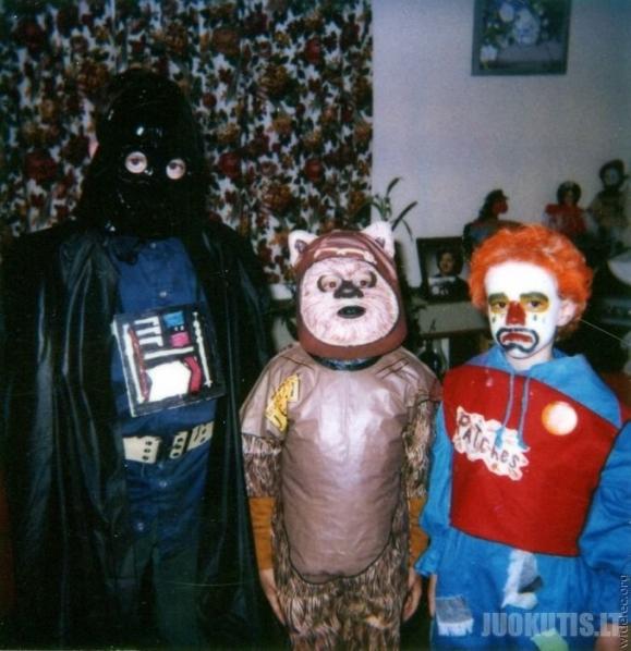 Juokingi kostiumai (98 nuotraukos)